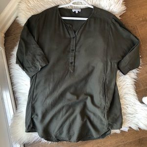 🚨2/$20🚨Community by Aritzia Olive Green Top